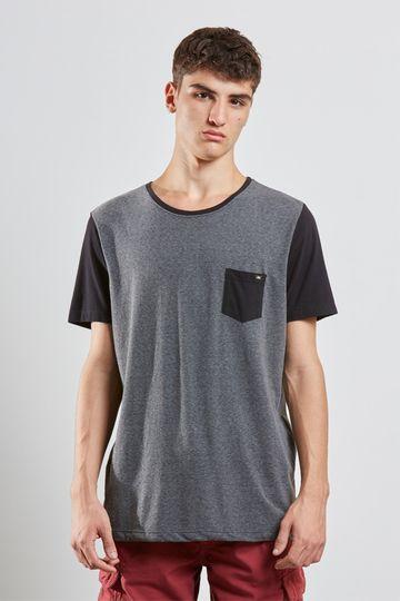 T-shirt-Manga-Contrastante