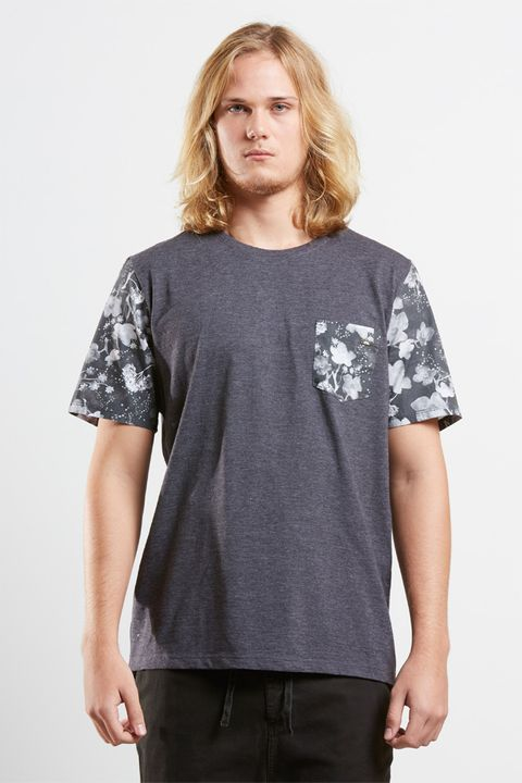 tshirt_bolso_flower_field_17424_frente_armadillo