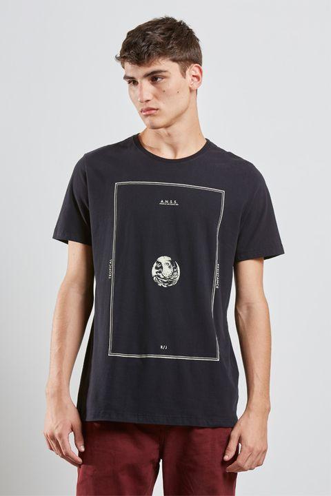 tshirt_tropical_resistance_preto_17466_frente_armadillo