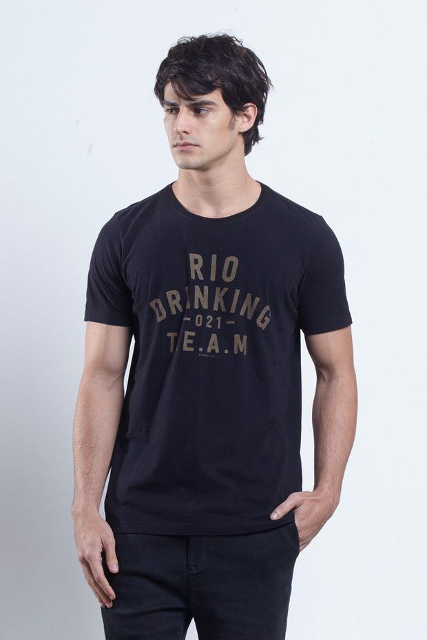 tshirt_drinking_team_preto_frente_17555