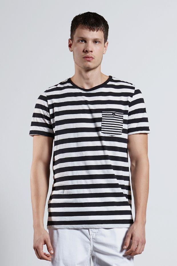 Ref.-8204415---T-shirt-mc-malha-waterfalls-stripe-Cor-Unica---R-6700-01