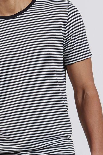 Ref.-8204416-18352----T-shirt-mc-malha-splash-stripe-Cor-Unica---R-6300-04_detalhe