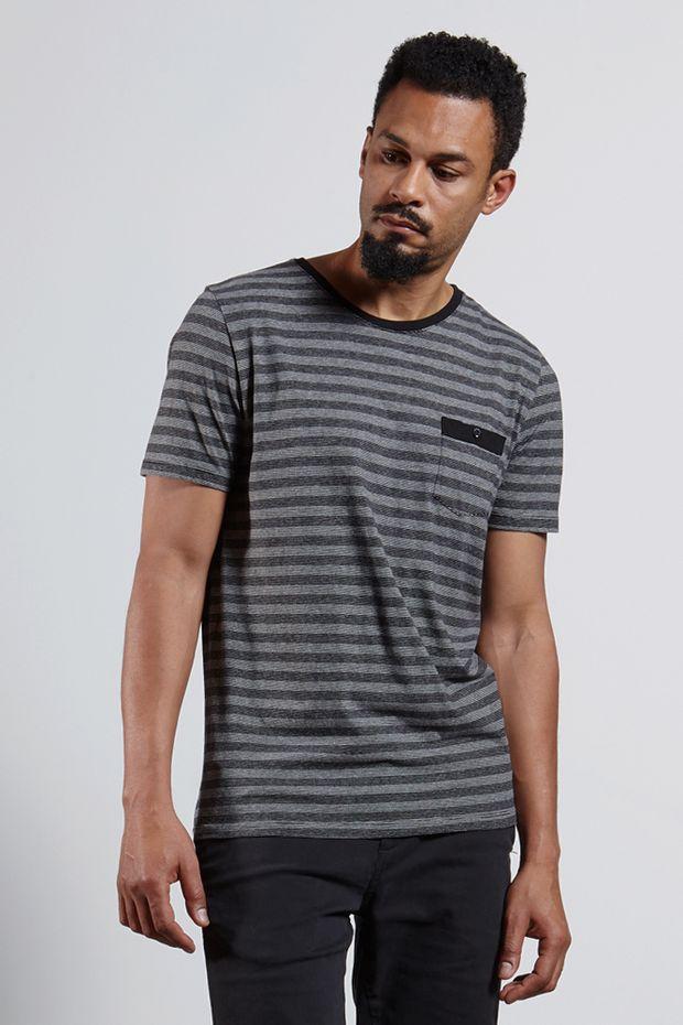 Ref.-18413---Tshirt-Ollie-Stripe-Pocket-Preta--frente-