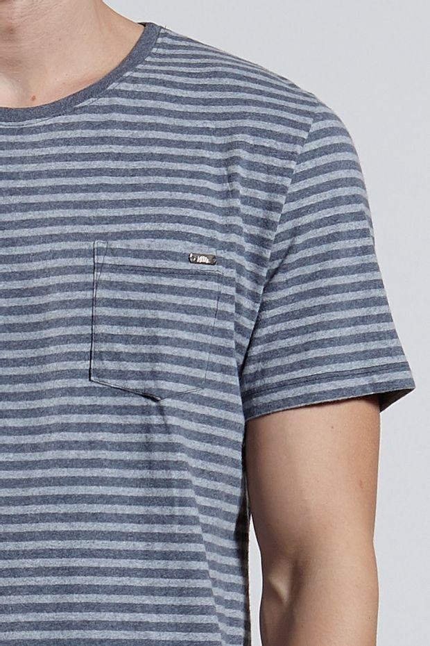 Ref.-8204492-18411----T-shirt-mc-malha-medium-stripe-pocket-Cor-Cinza_detalhe