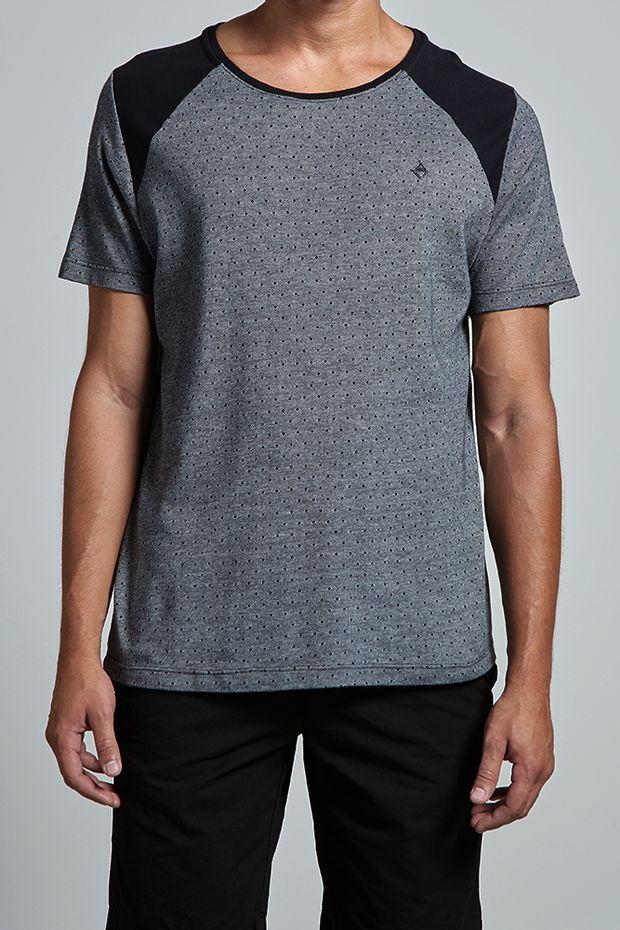 18132_T-shirt-Poa-Triblock_Preto_editada2