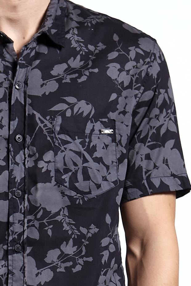 Ref.-Camisa-algodao-folha-silhueta-blu-marinho---detalhe