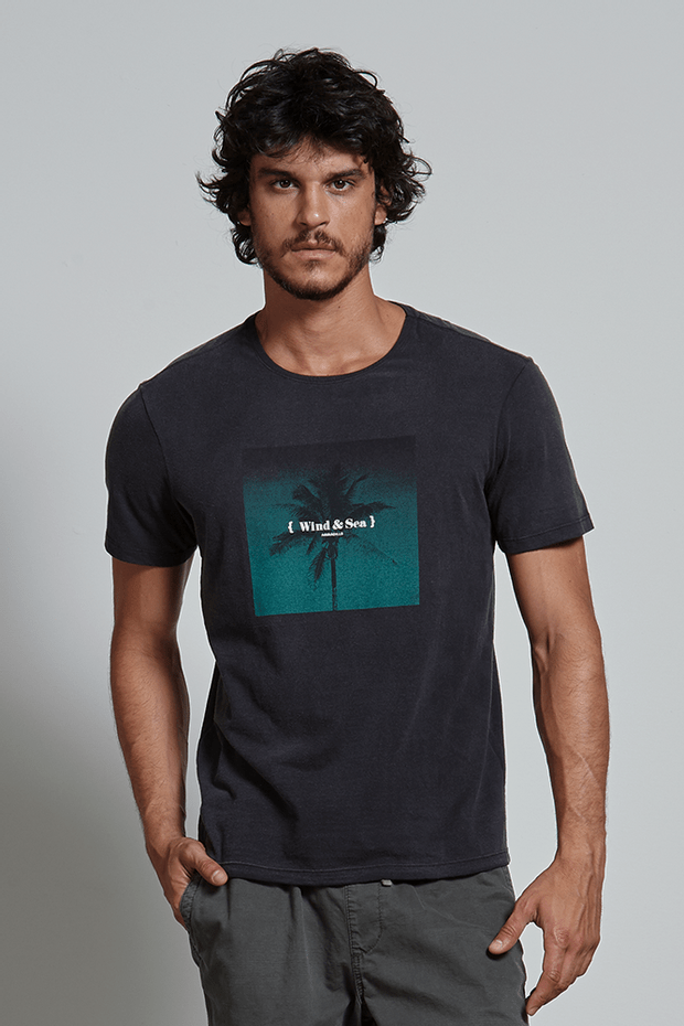 Ref.-18282---T-shirt-wind---sea-preto---frente