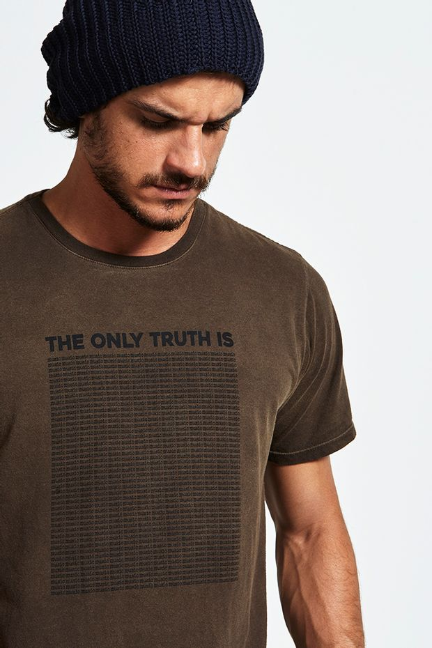 Tshirt_the_only_truth_is_marrom_5