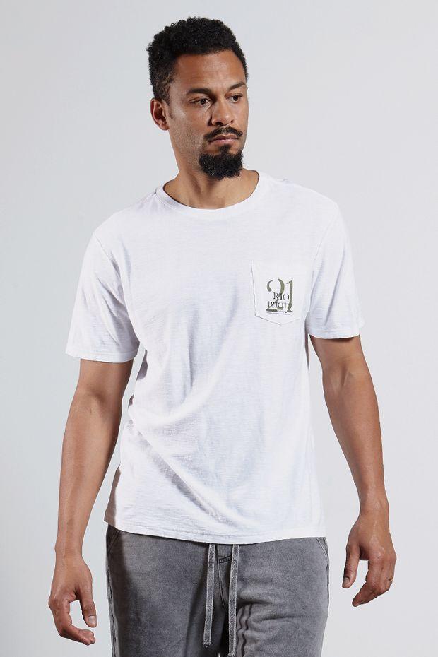 Ref.-8204283-18256----T-shirt-mc-malha-rio-photo-bolso-Cor-Branco---R-5400-02_frente