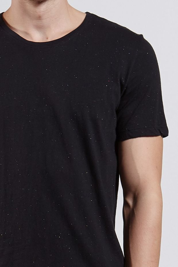 Ref.-8204422-18359----T-shirt-mc-malha-basic-botone-Cor-Preto---R-5800-02_detalhe