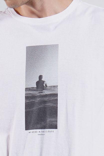 Ref.-18253---T-shirt-mc-malha-my-head-in-clouds-Cor-Branca_detalhe