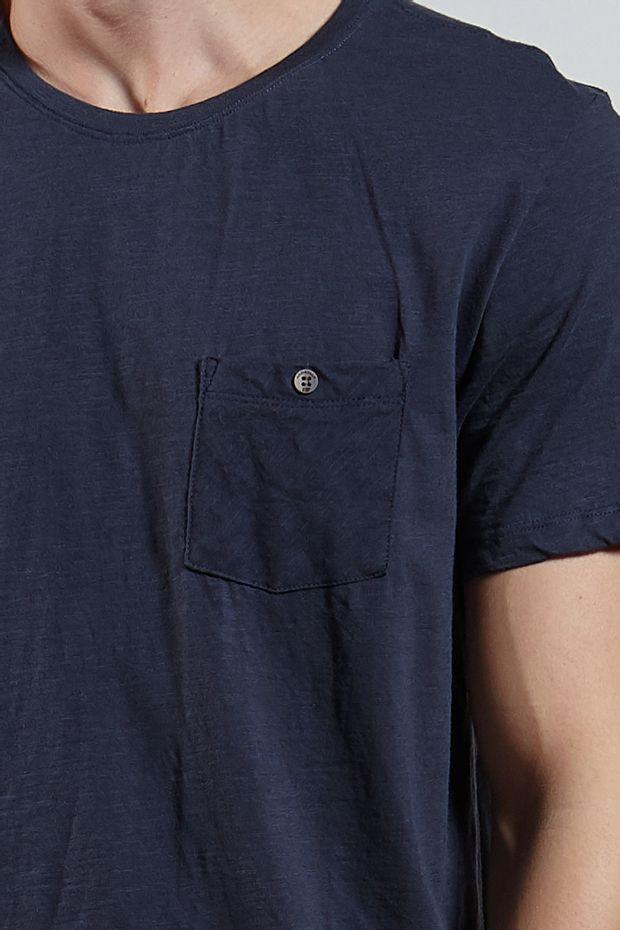 Ref.-18350---T-shirt-mc-malha-flame-basic-pocket-Cor-Marinho_detalhe