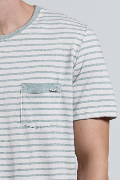 Ref.-18425---T-shirt-mc-malha-Recycle-Stripe-Verde_detalhe