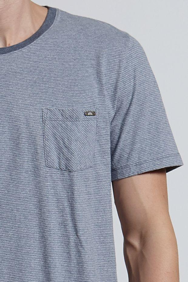 Ref.-8204491-18410----T-shirt-mc-malha-thin-stripe-pocket-Cor-Cinza_detalhe