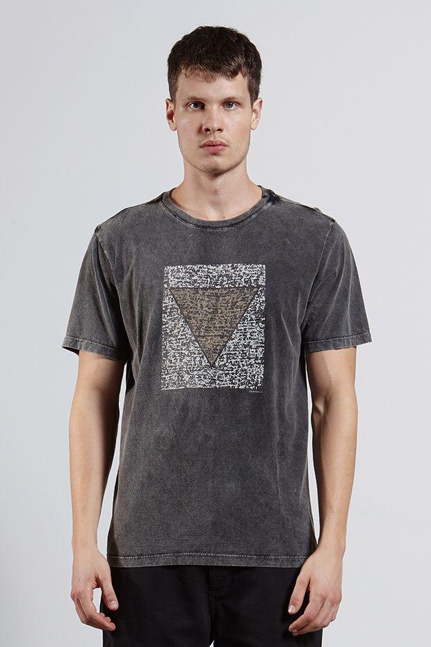 Ref.-8204292-18265----T-shirt-mc-malha-earth-retangulo-Cor-Preto---R-6300-03_frente
