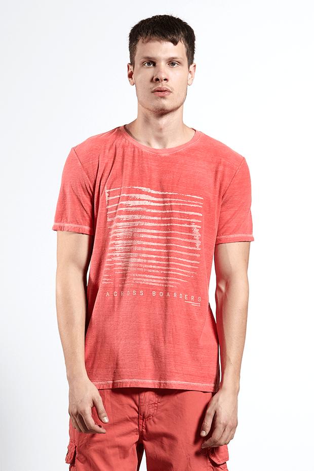 Ref.-18230---T-shirt-malha-across-boarders-vermelho---frente