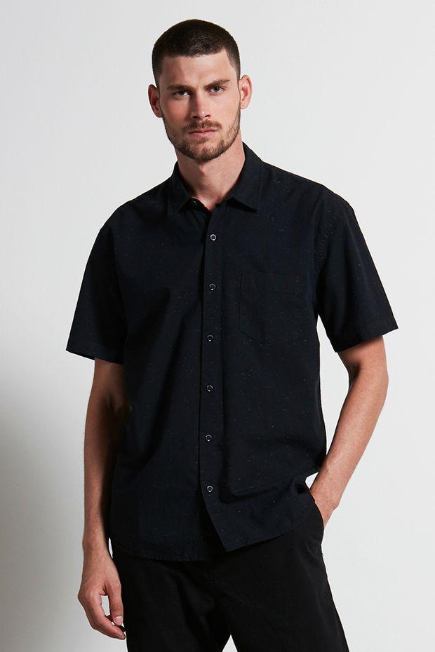 Ref.-18742---Camisa-scratches-preto---detalhe-frente-2