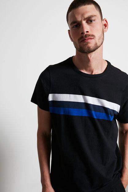 Ref.-18965---T-shirt-Malha-long-fio-tinto-preto---detalhe-frente