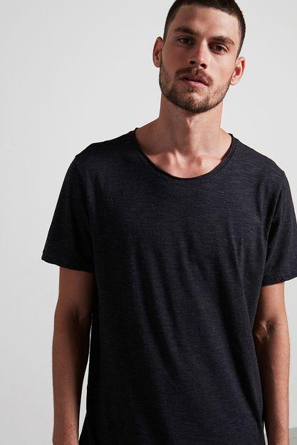 Ref.-18773---T-shirt-malha-night-points-preto---detalhe