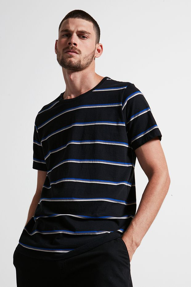 Ref.-18966---t-shirt-malha-la-fio-tinto-preto---detalhe