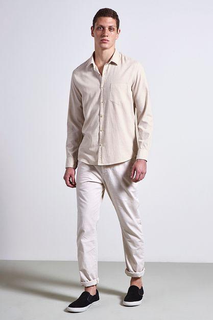 Ref.-18717---Camisa-algodao-groove-areia---frente-.