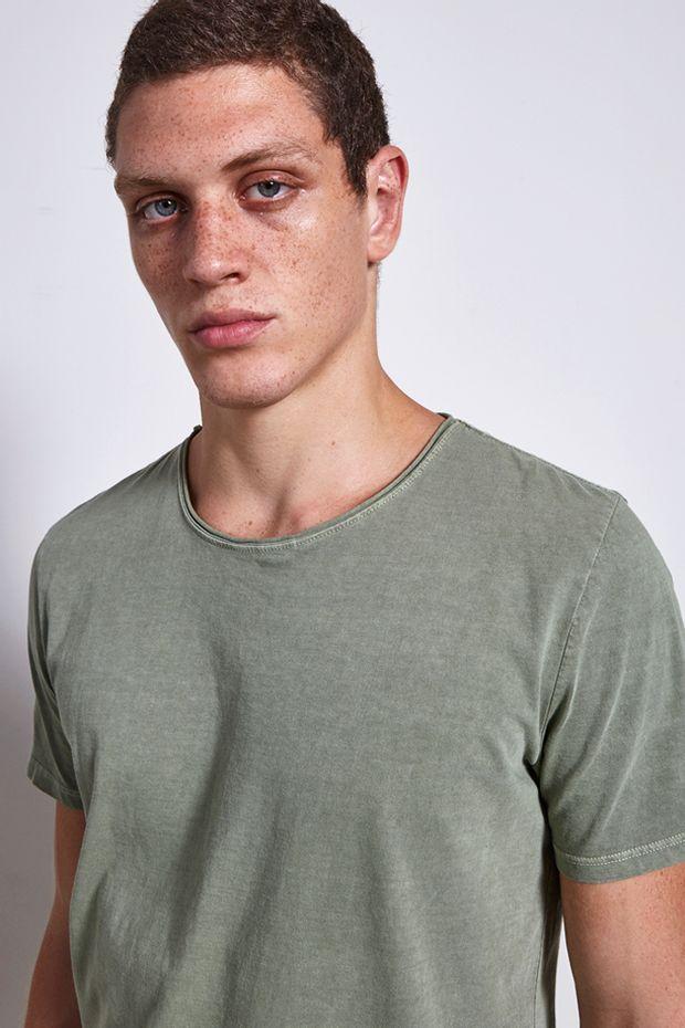 Ref.-18980---t-shirt-malha-basic-reais-verde---detalhe