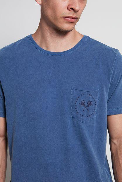 Ref.-18795---t-shirt-malha-tropical-pocket-azul---detalhe-.