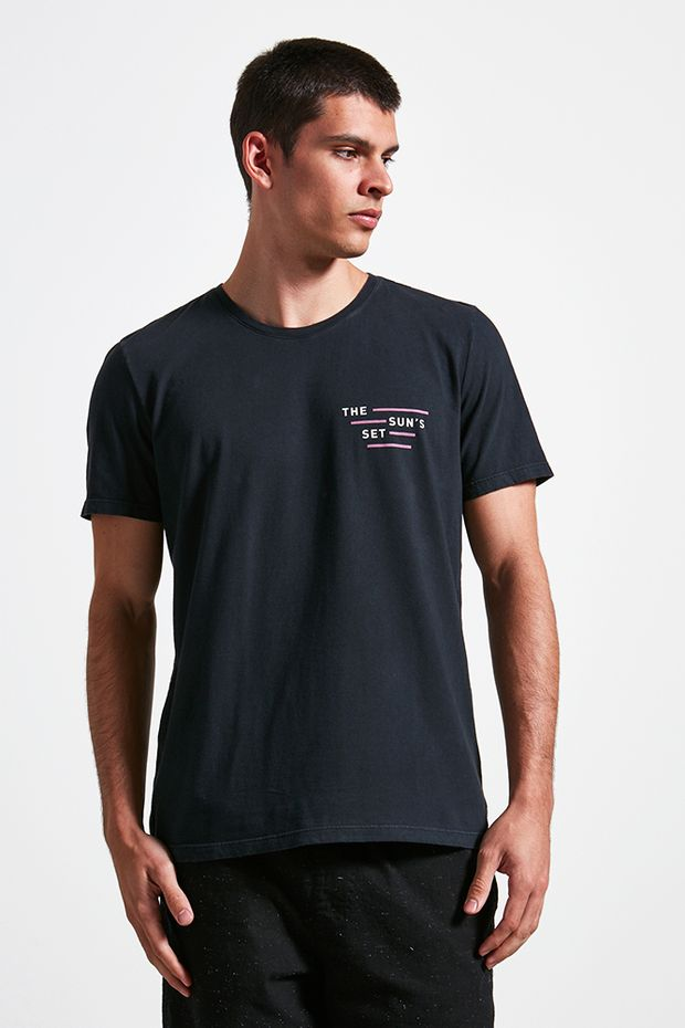Ref.-18864---t-shirt-malha-the-suns-preto----detalhe