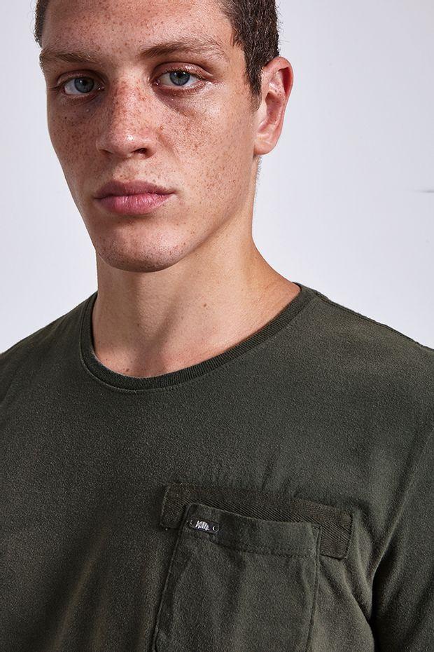 Ref.-18874---t-shirt-malha-road-pocket-verde----detalhe