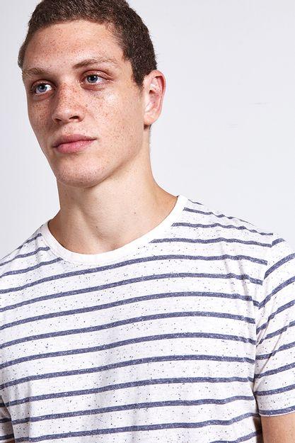 Ref.-18750---t-shirt-malha-roots-stripes-preto----detalhe-frente
