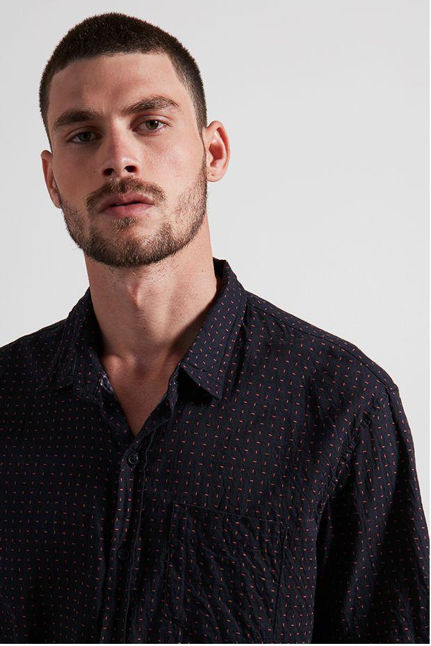 Ref.-18745---camisa-algodao-tracos-preto---detalhe