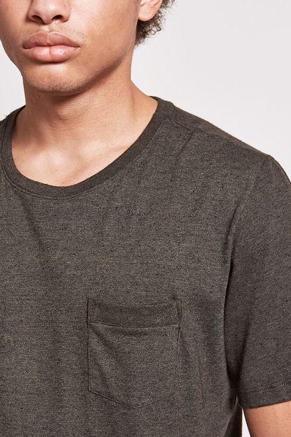 20519---T-shirt-infinity-rib-pocket---militar--Detalhe-