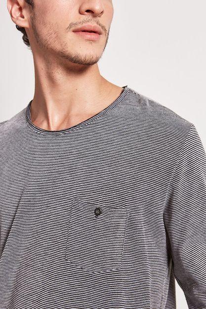 20558---T-shirt-piquet-jazz---preto--Detalhe-