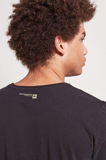 20548---T-shirt-signos---preto--Detalhe-Costas-