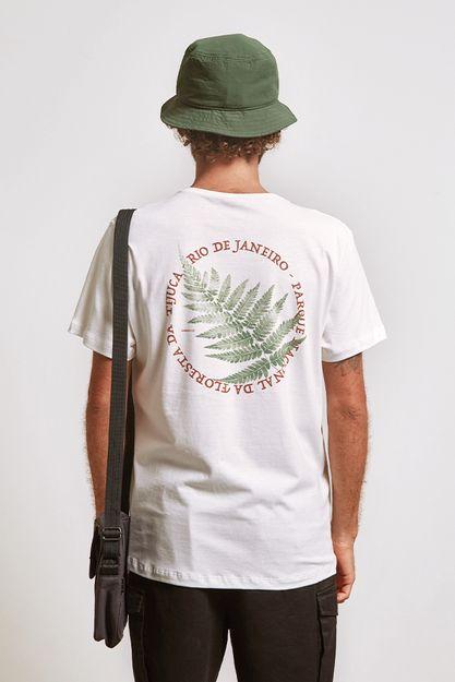 20613---t-shirt-floresta-tijuca-off-white--detalhe-costas-