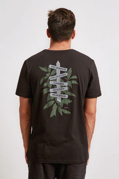 20611---t-shirt-direcoes-floresta-preto--detalhe-costas-