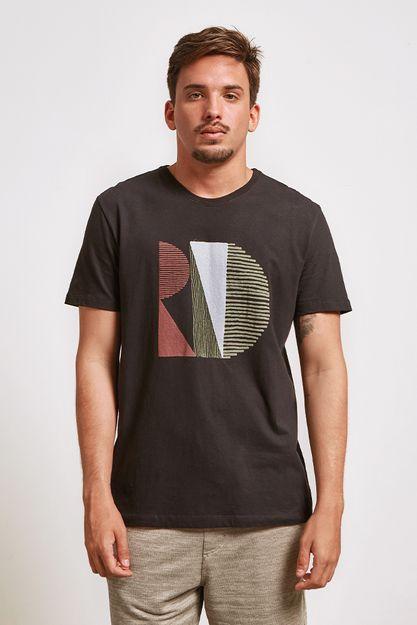 20617---t-shirt-rio-solar-preto--detalhe-